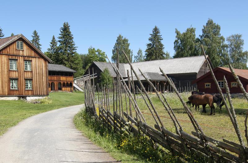 Tomterlåven er en del av tunet Åsgarden.