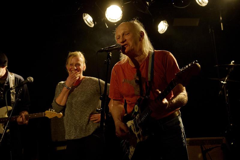 El Regn. Fra venstre: Jan Gunnar Bortheim, Ine Tømmerås og Dennis Reksten. Foto: Helge Skodvin.
