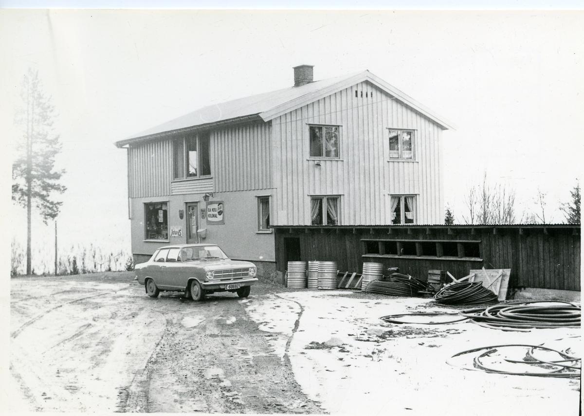 Ola Nerli kolonialforretning, Liagrenda, Sør-Aurdal.