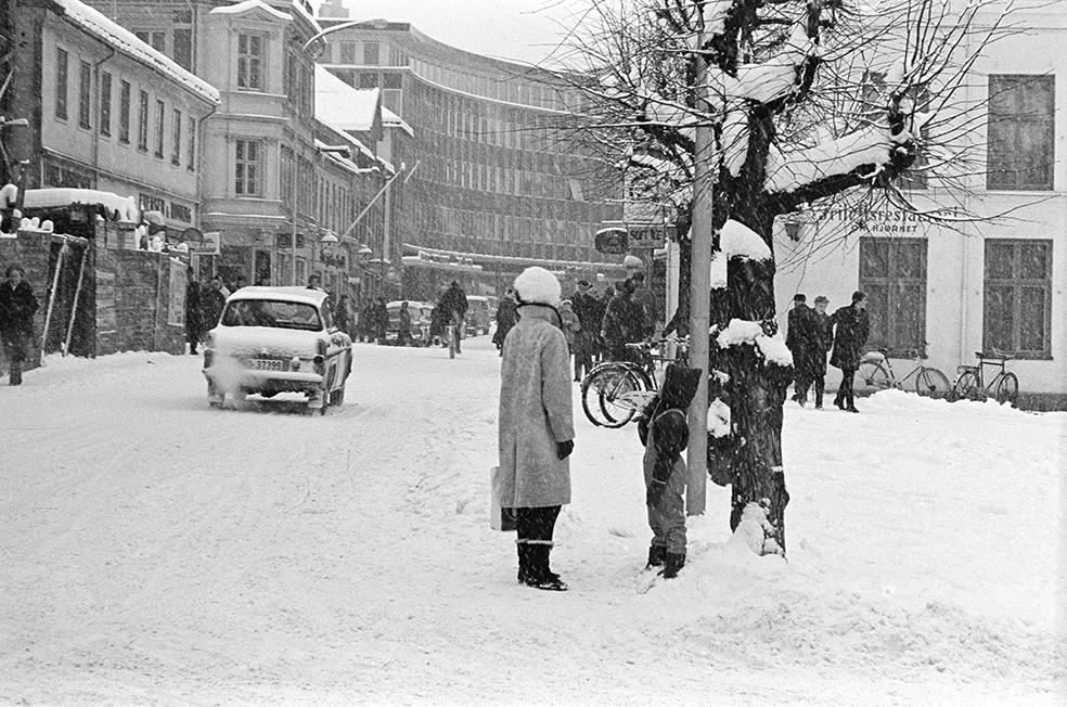 Torggata, Hamar, vinter, snøvær,