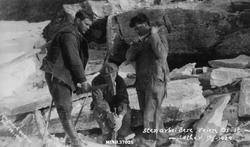 Stenarbeidere vien Os-Sæther, sør for Siksjøen, 19/3-1929. F