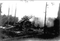 År 1924, 21cm kanon.