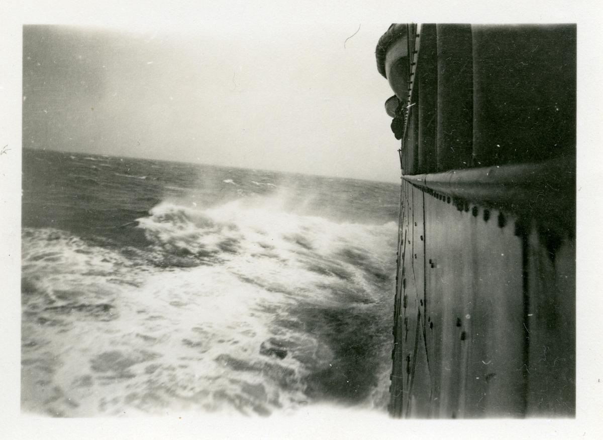 Bilete take frå S/S Stavangerfjord, på Atlanterhavet 1930.