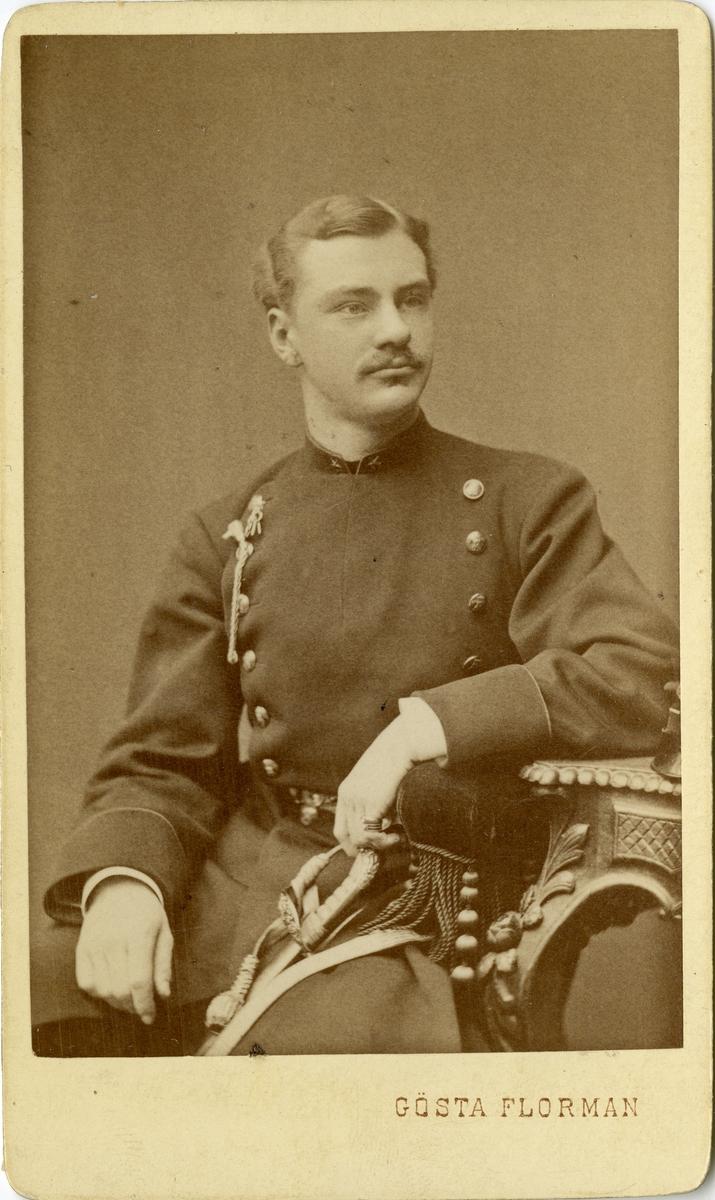 Porträtt av Carl Bror Skogman Munck af Fulkila, underlöjtnant vid Jönköpings regemente I 12.  Se även bild AMA.0002203, AMA.0008036 och AMA.00013857.