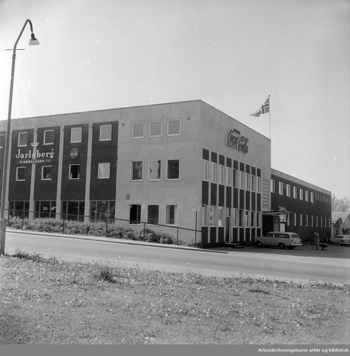 Jarlsberg Mineralvannfabrikk, innvielse av nye lokaler i Grenseveien 71. Juni 1961