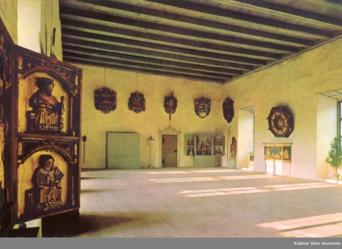 Gröna salen, med Länsmuseets samling av kyrklig konst.