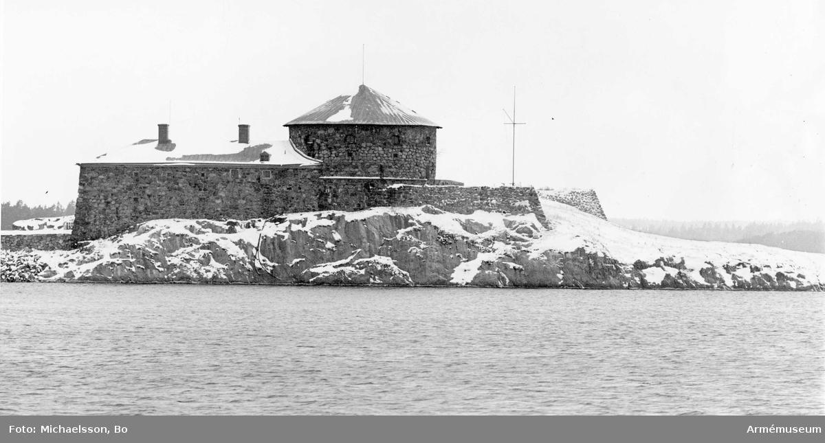 Dalarö skans sedd från m/s Västan mellan Dalarö brygga och Utö.