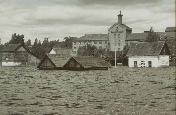 Friluftsmuseet under flommen i 1995 (Foto/Photo)
