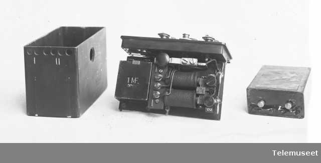 Telefoner, felttelefonapparat. Ingeniørvåpenets lille modell. 28.6.15. Elektrisk Bureau.