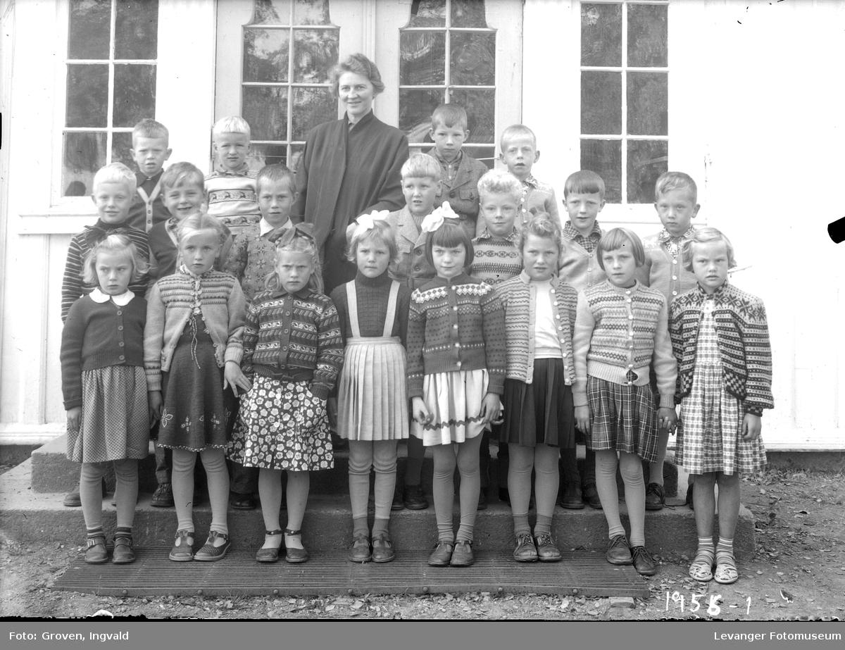 Skolebilde fra folkeskolen, Nesheim skole.