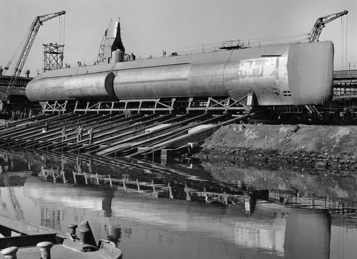 Ubåten Draken klar för sjösättning, på Kockums mekaniska verkstad i Malmö.