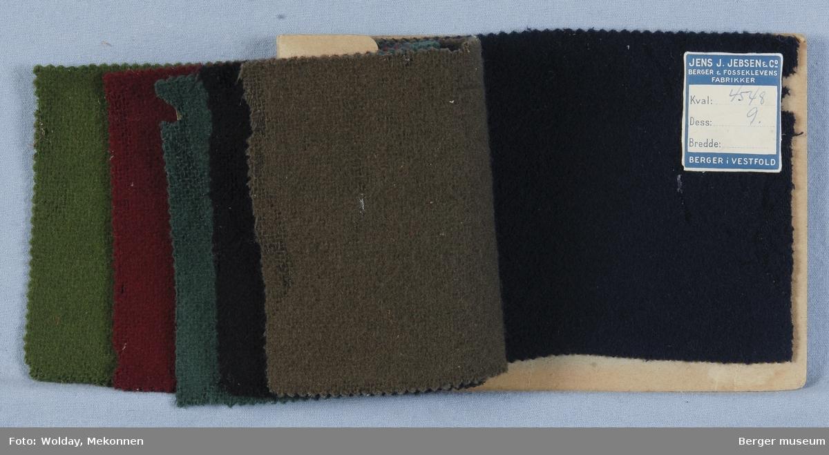 Prøvebok med 6 prøver. Kval. 4548 Drakt/kåpe Stykkfarget