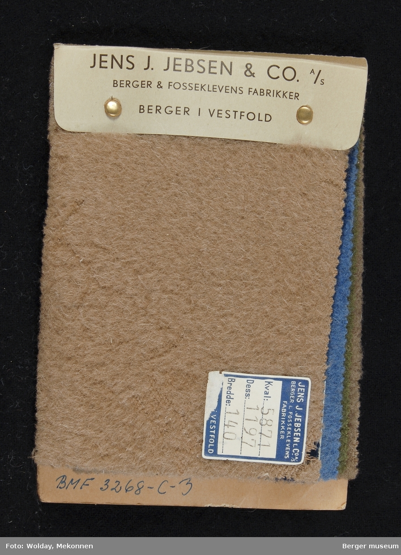 Prøvehefte med 5 prøver Kåpe, bekledning Kvalitet 5870-71 Stykkfarget