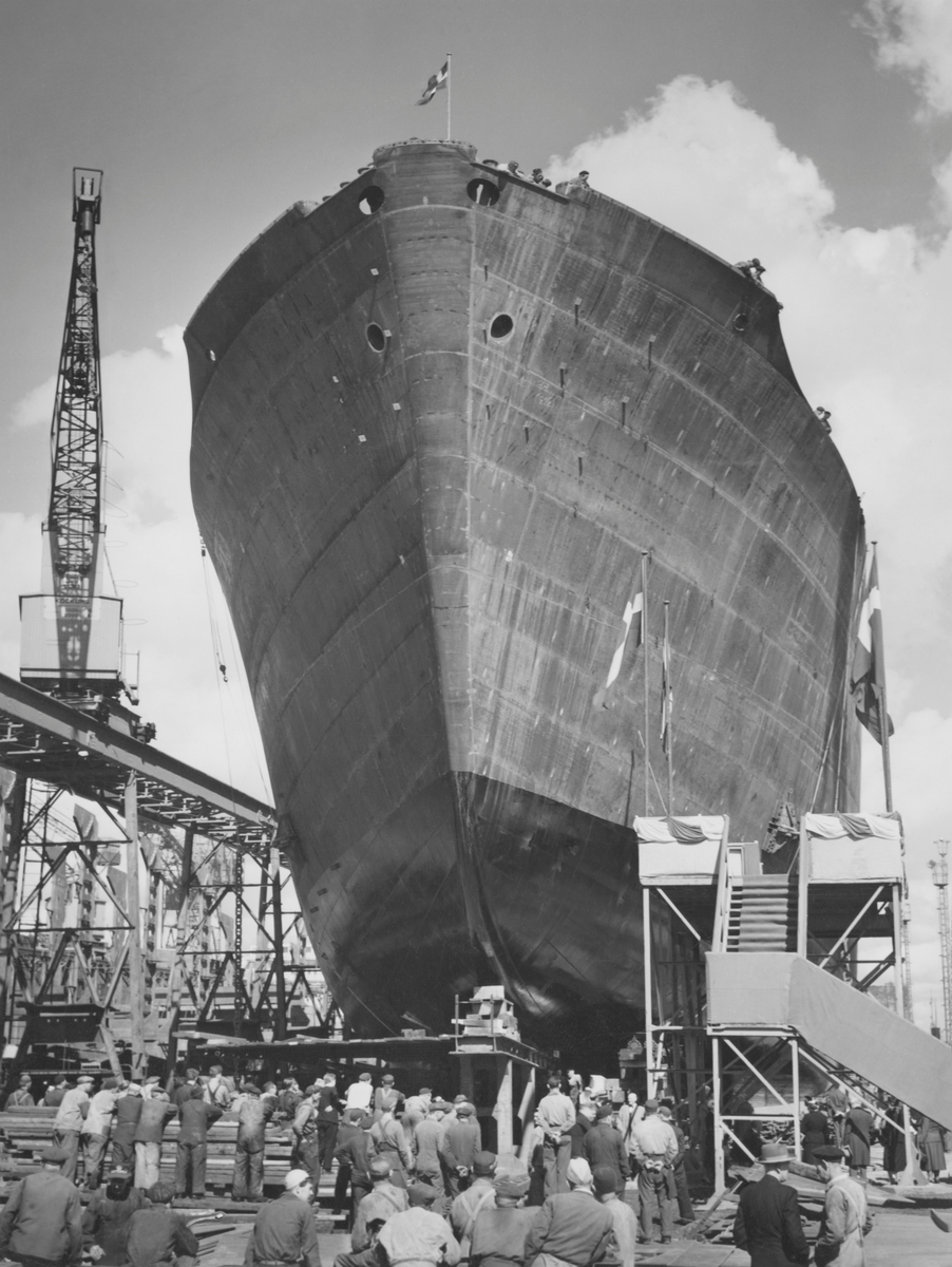 AMPHION Tankmotorfartyg.Från sjösättningen.