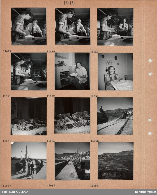 Motiv: Höganäs keramikfabrik, två män tittar på ett keramikfat, arbetslokal, en kvinna håller upp ett keramikfat framför ett skåp med mer keramik, en flicka med flätor sitter vid ett bord med tre skålar, bord med uppdukad måltid, män hanterar ett stormaskigt fisknät (trål?) på en pir, grov kätting, fiskebåtar vid hamnpir, Mölle i bakgrunden, två personer går i strandkant.