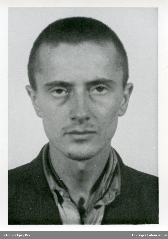 Osvald William Lyngstad, medlem av Rinnanbanden, fotografi tatt i forbindelse med rettsaken.
