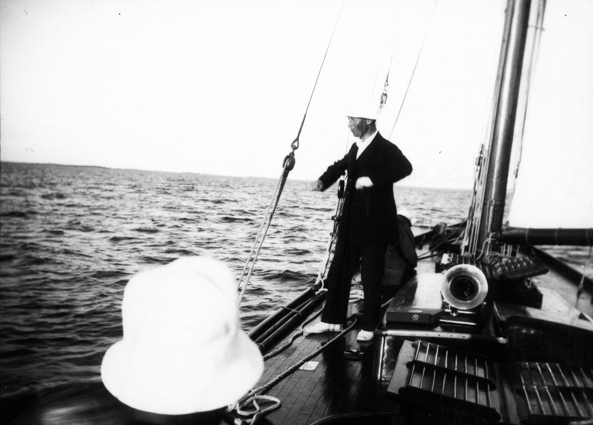 """S/y """"Ingvor"""", disponent Ruben Mattsson."""