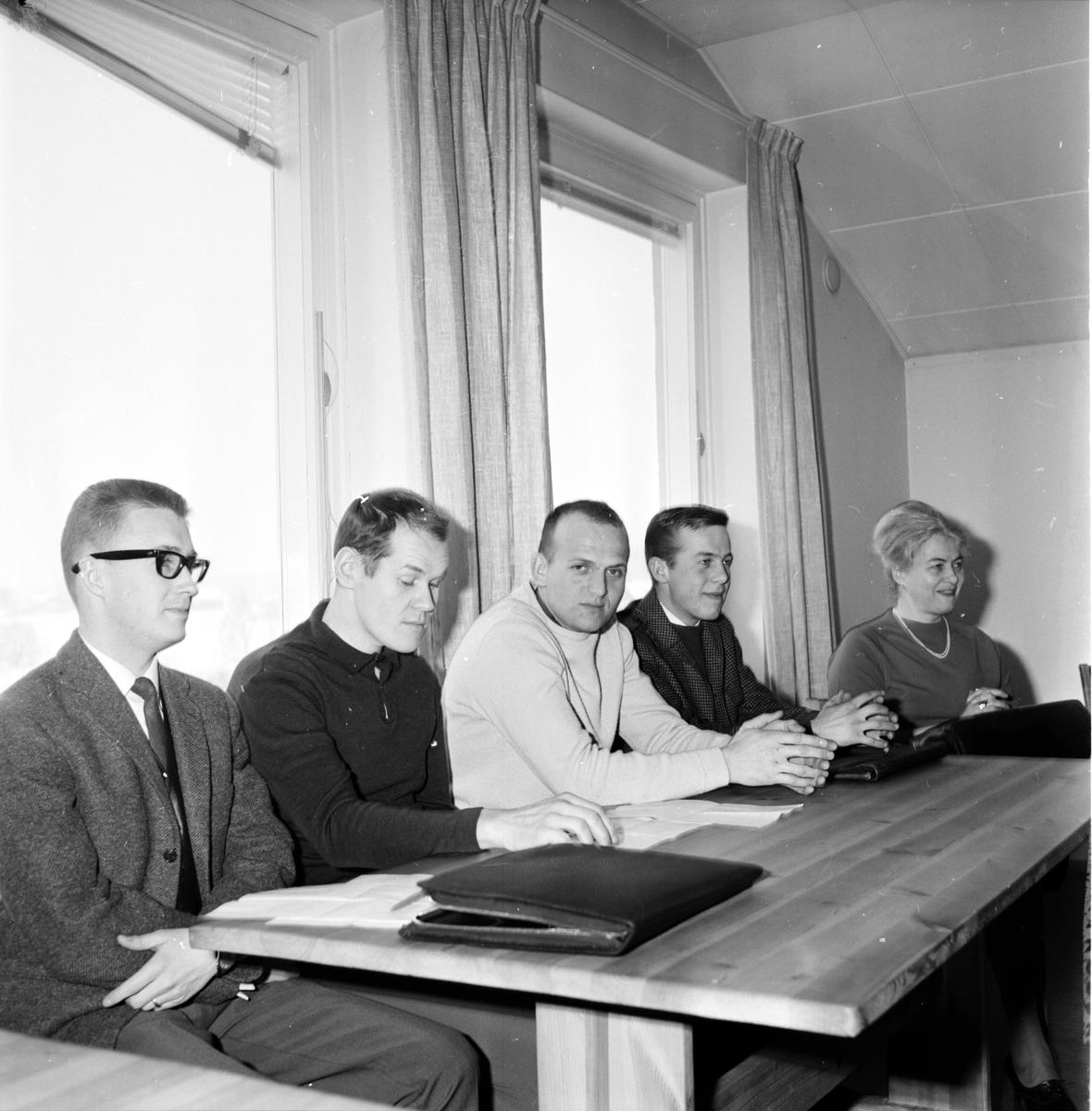Ungdomsledarekurs på Folkhögskolan, 21 Februari 1966