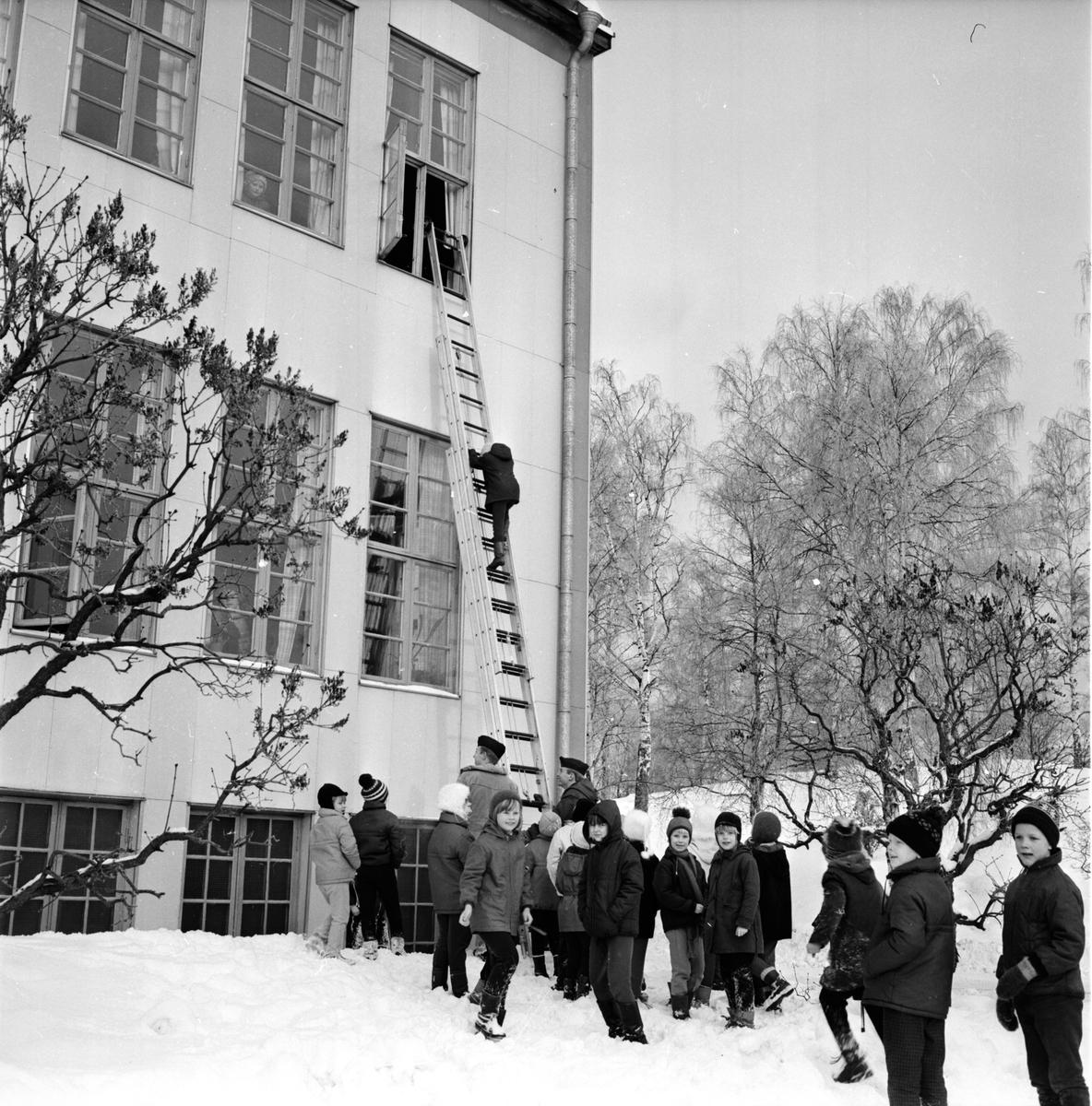 Odenskolan, Bollnäs, Brandövning, 6 Febr 1967