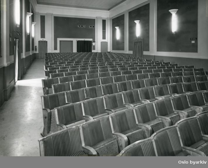 Kinosal mot amfi