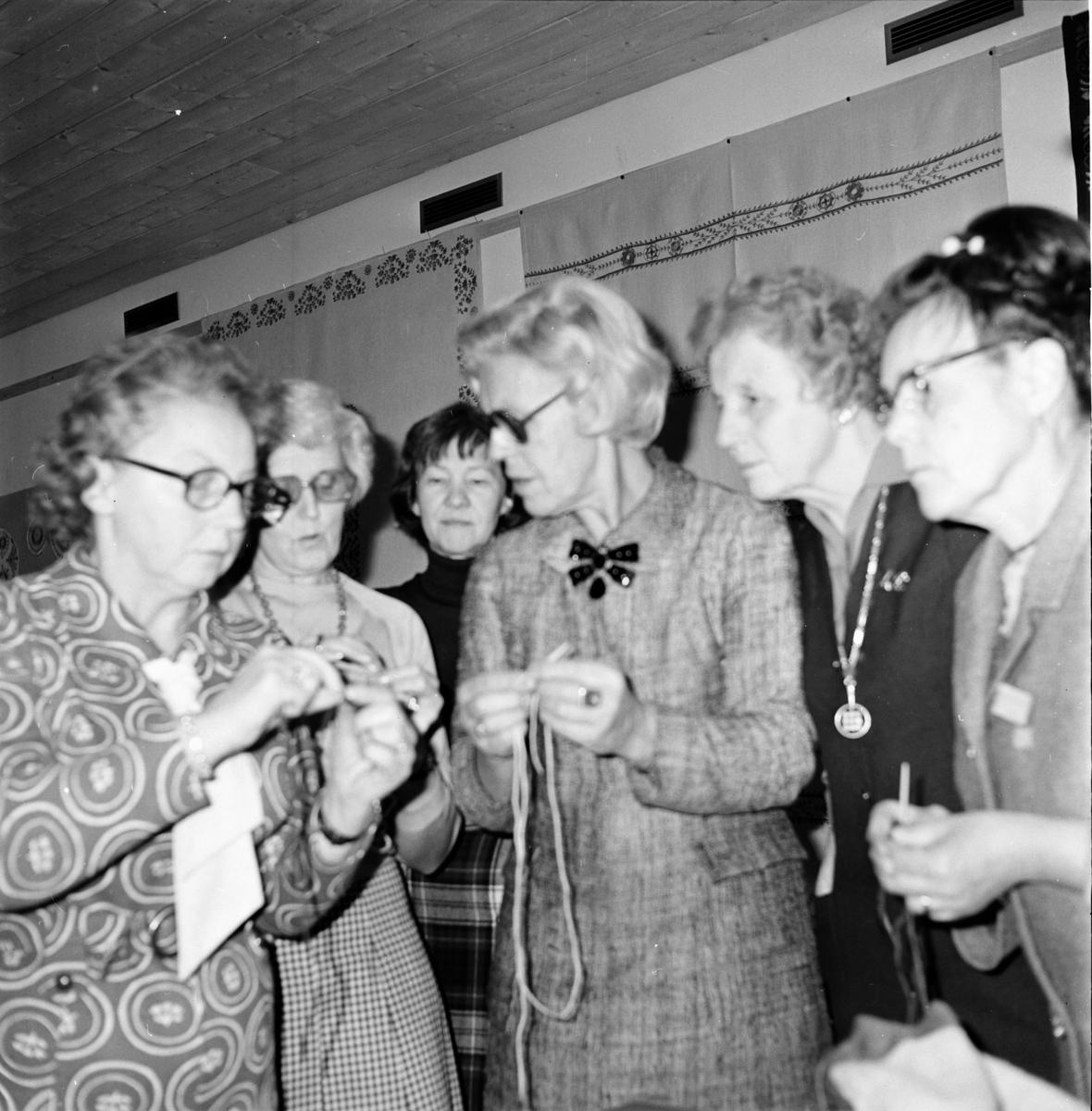 Hemslöjdsdagar, Stiftsgården. December 1974