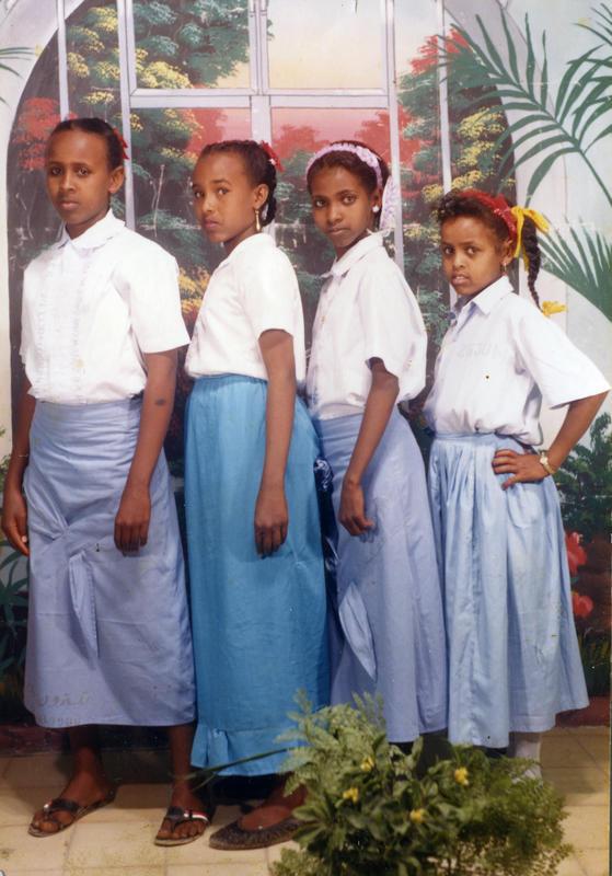 Suhur og klassevenninner. Fra venstre: Marianne som ble skutt, Yurub, Suhur og Hanna. (Foto/Photo)