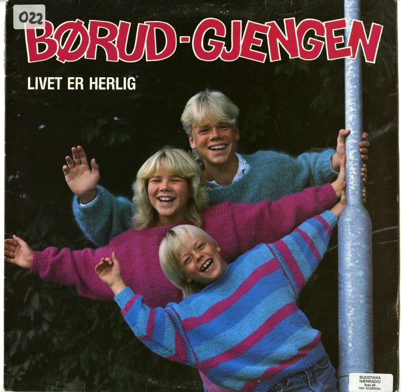 Livet er Herlig ble utgitt på Tvers forlag i 1986. (Foto/Photo)