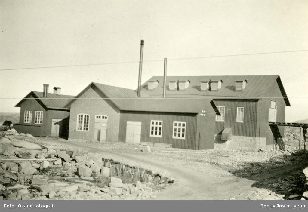Byggnader på stenhuggeriområdet på Rixö