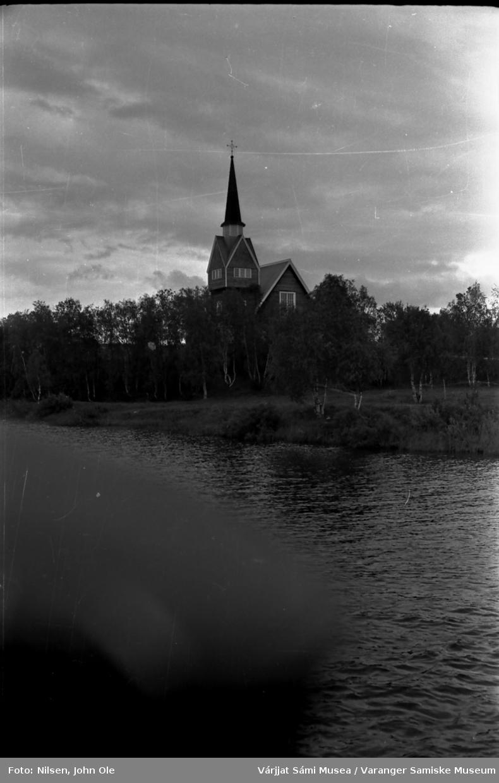 Karesuando kirke med elva i forgrunnen. Juli 1967
