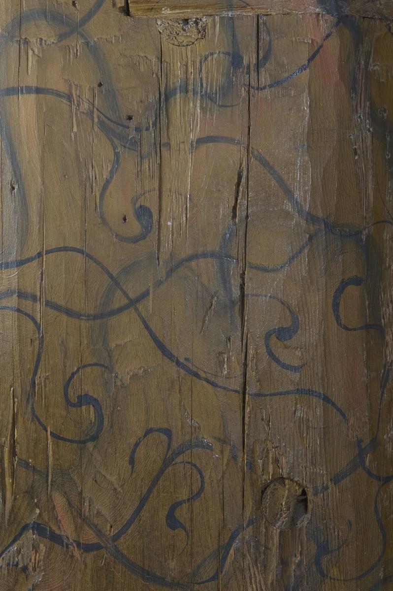 Stav med malt dekor i Gol stavkirke på Norsk Folkemuseum.