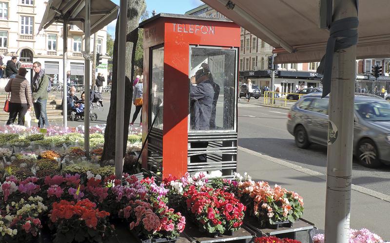 Den verna telefonkiosken på Majorstua var den siste med summetone i Norge.