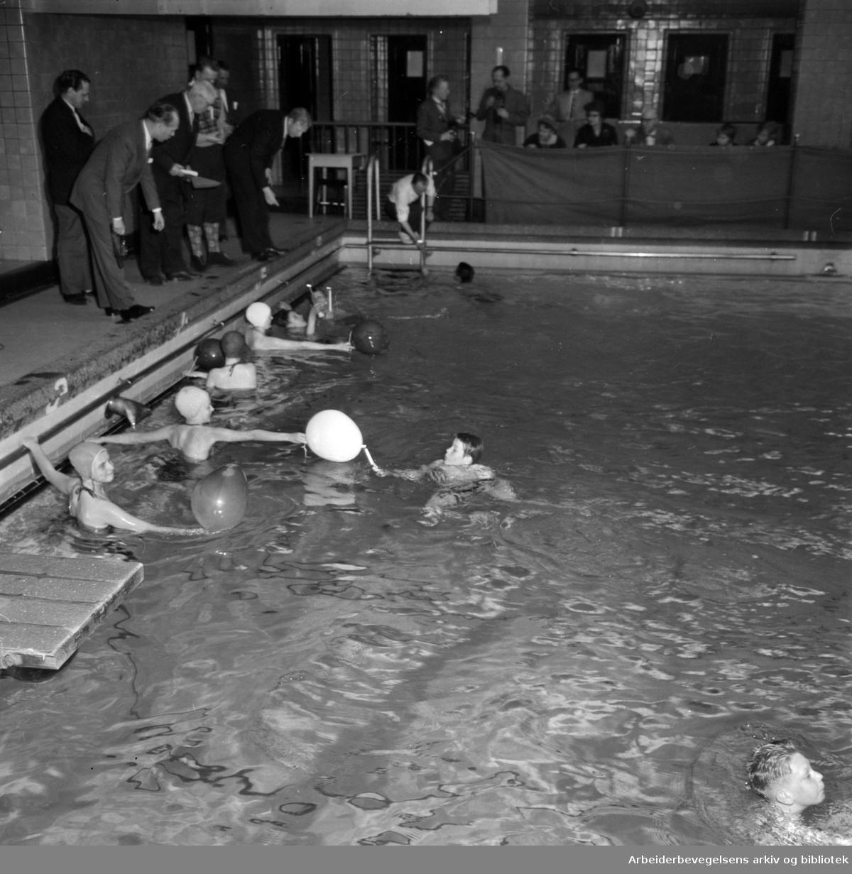 Torggata Bad. Desember 1959