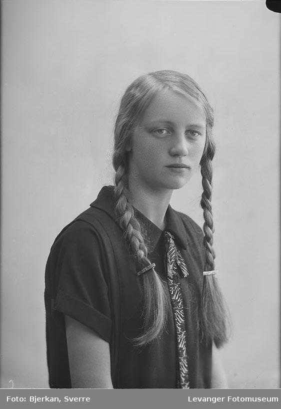 Portrett av Sigrun Flatås