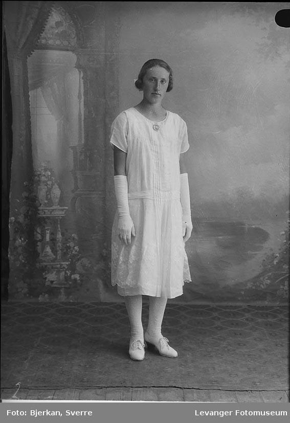 Portrett av Hilda Åbakken