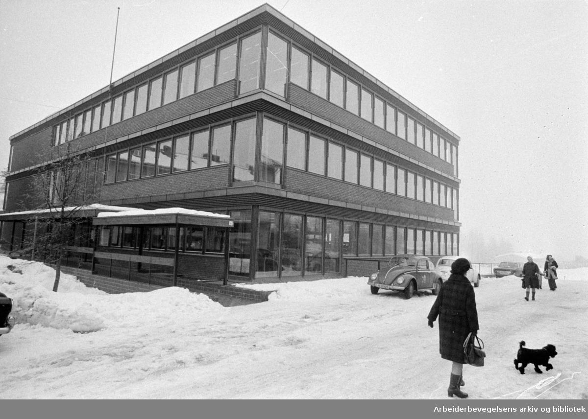 Røa Samfundshus. Februar 1975