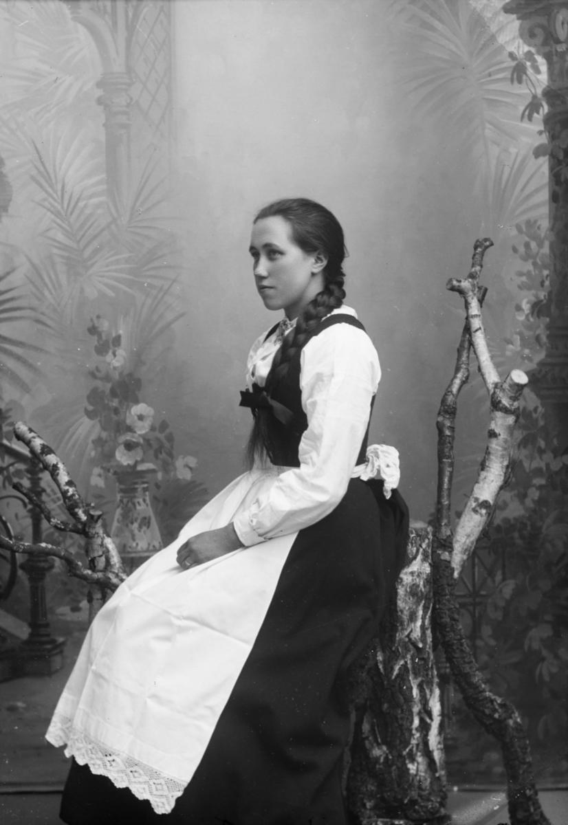 Portrett av Berthe Marie Skjervum