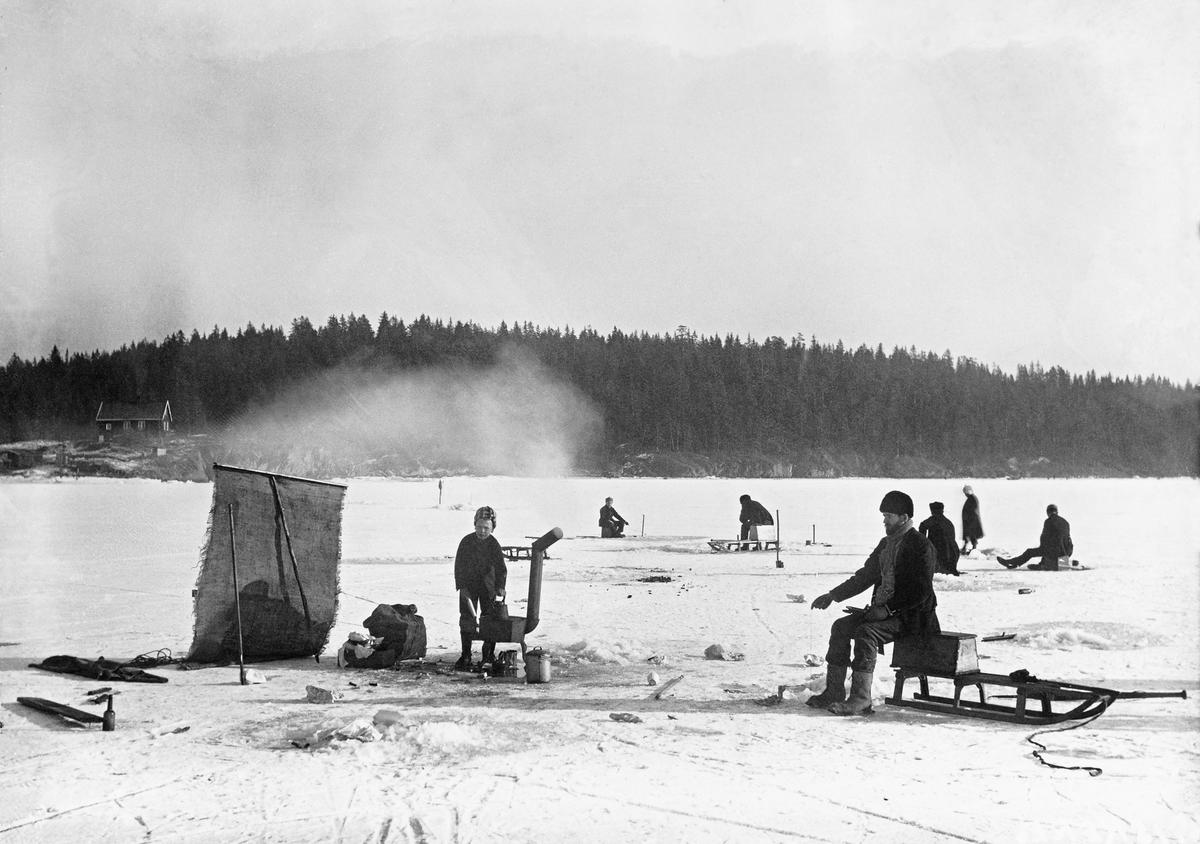 Pilking på Bunnefjorden, Kristiania. (Foto/Photo)