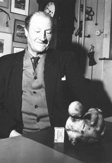 Konrad Olsson, Långsjöhöjden, med sin rekordpotatis.