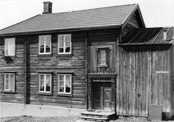 Gårdsanlegg i Spell-Olaveien 14 på Røros