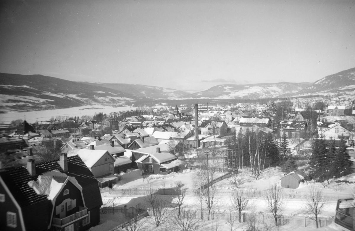 Lillehammer sentrum sett fra syd. Fra Den Høyere Skole/Langasgate og nordover.