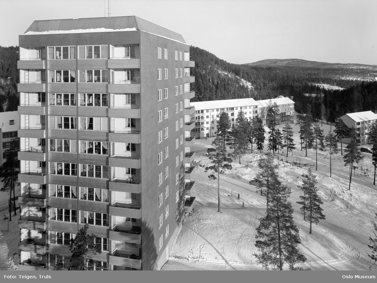 utsikt, blokkbebyggelse, veier, skog, snø
