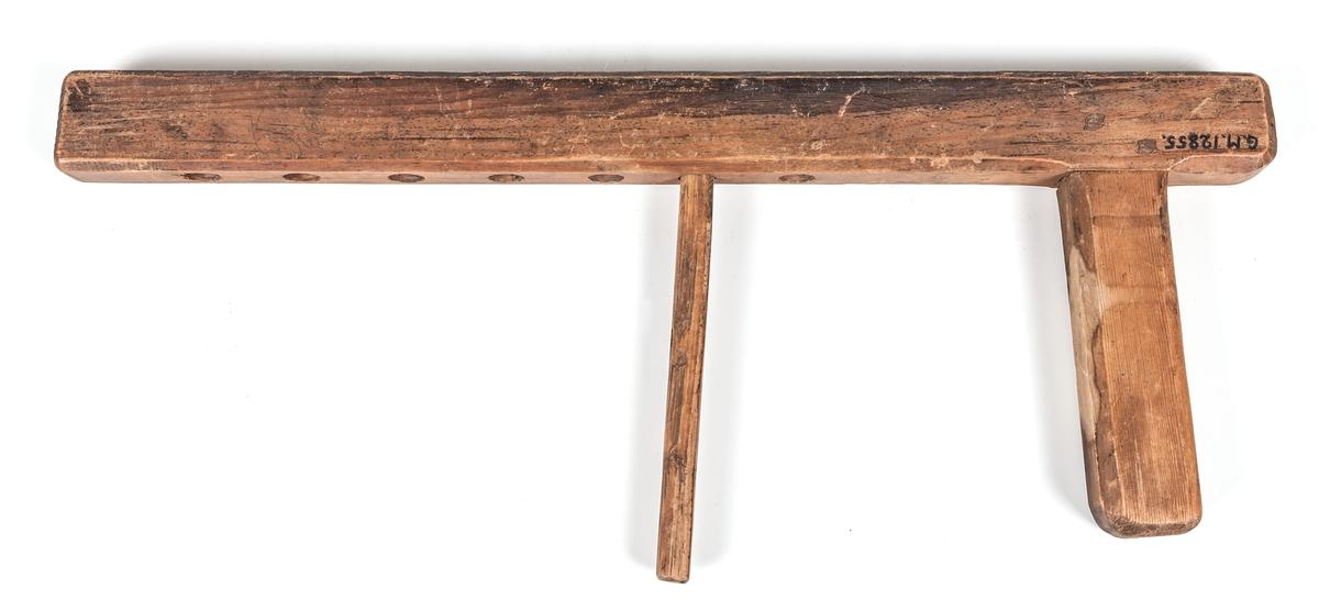 Upptagningsvinda, snörknekt, av trä.