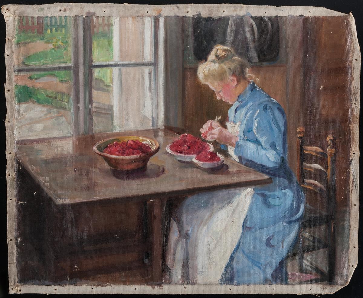 Oljemålning utan spännram, föreställande kvinna som rensar bär, sittandes vid ett bord inomhus vid ett fönster.