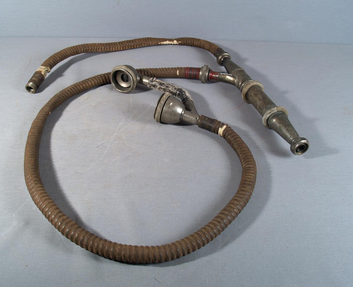 Utstyr med to slanger i Y-kobling som kobles på røykhjelm, og som gir luft gjennom den ene slangen og kommunikasjonmuligheter via luftslangen. Denne har tale-/lytterør i enden.
