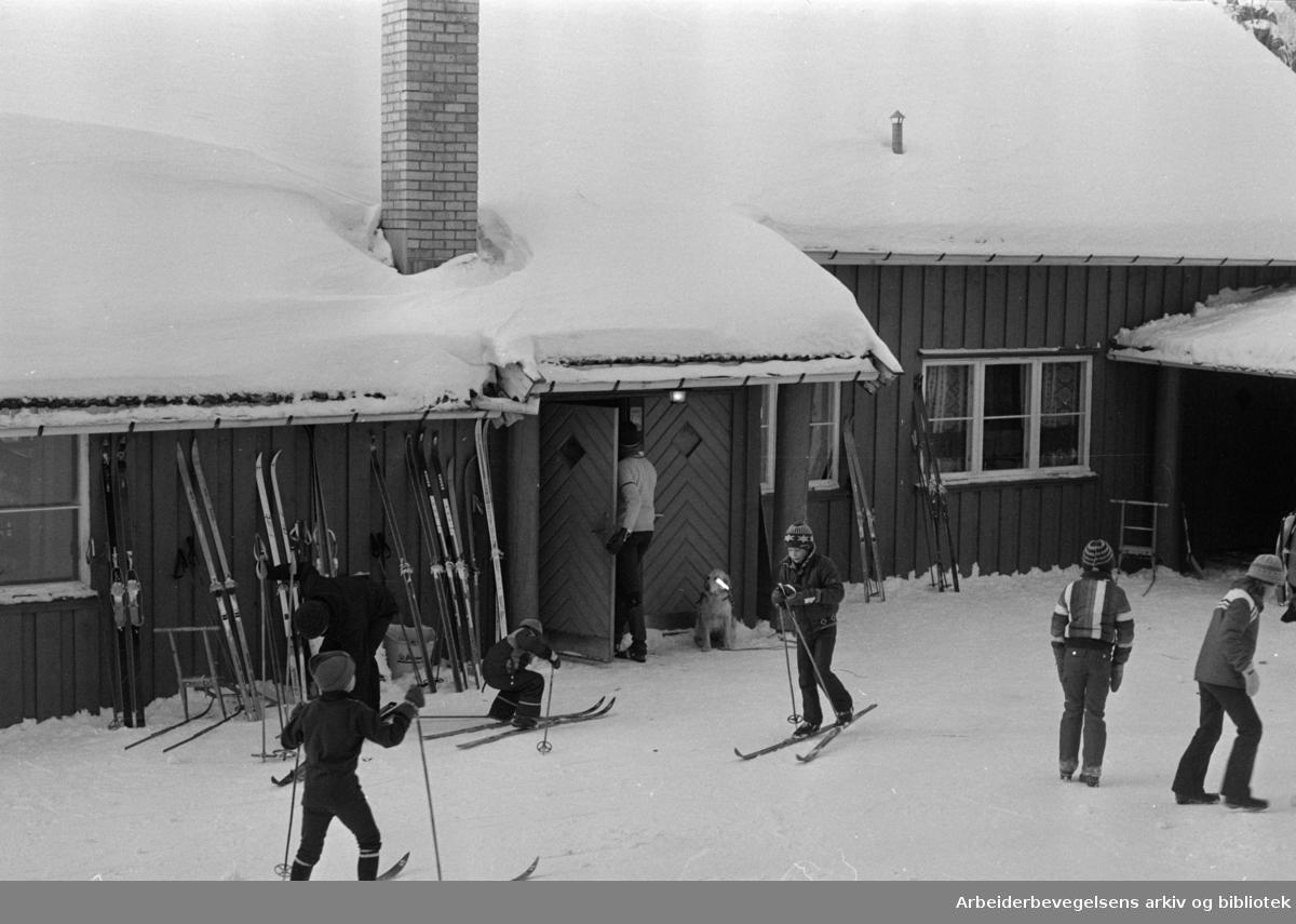 Østmarka, Rustadsaga kafé. Mars 1978