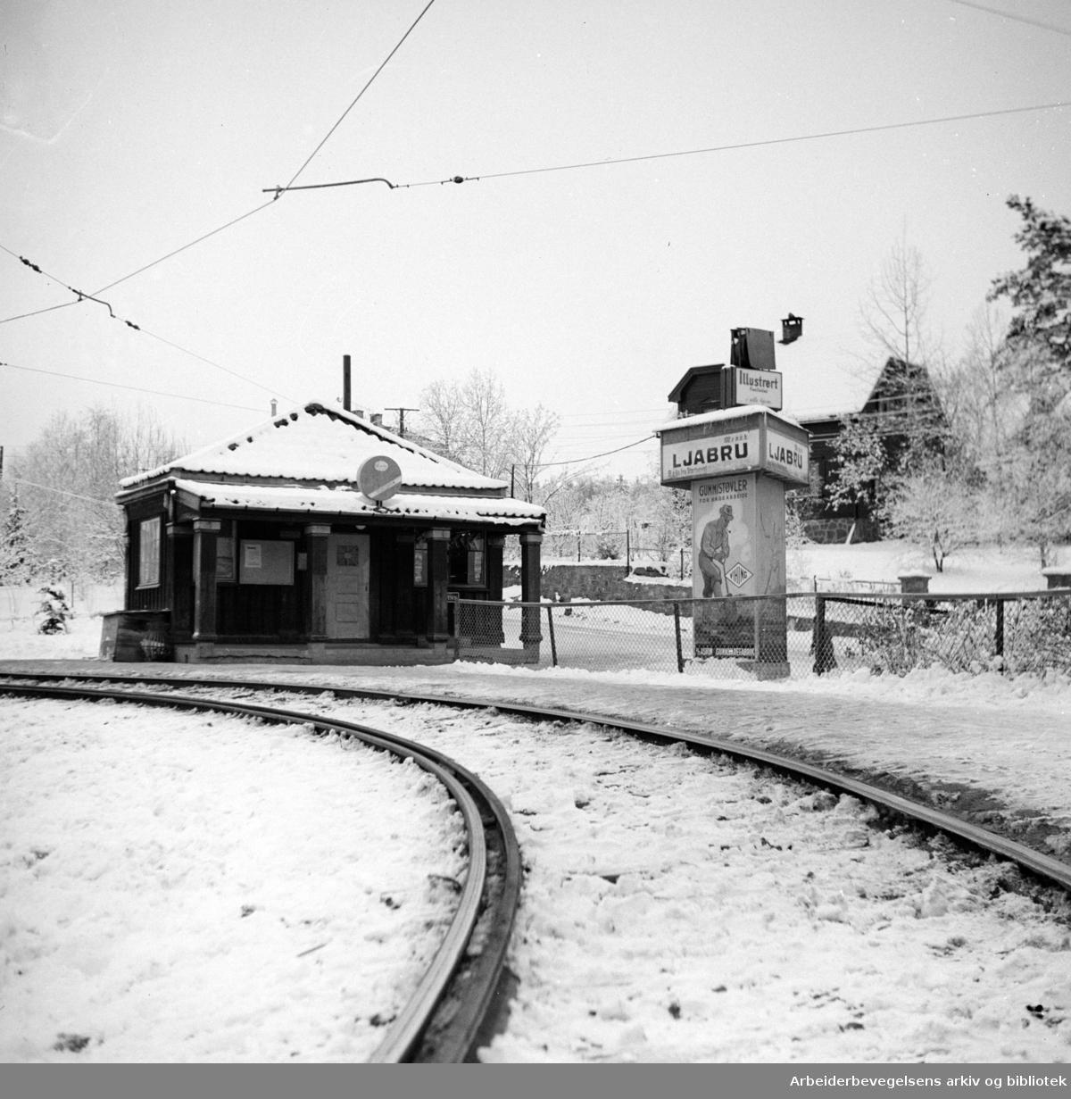 Ljabru stasjon på Ekebergbanen. November 1947
