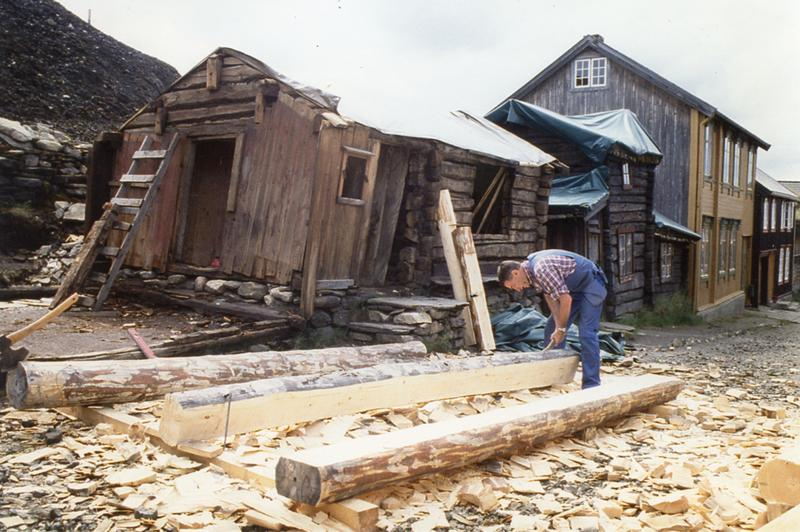 Fra restaureringen av Tyristuggu på slutten av 1990-tallet. (Foto/Photo)