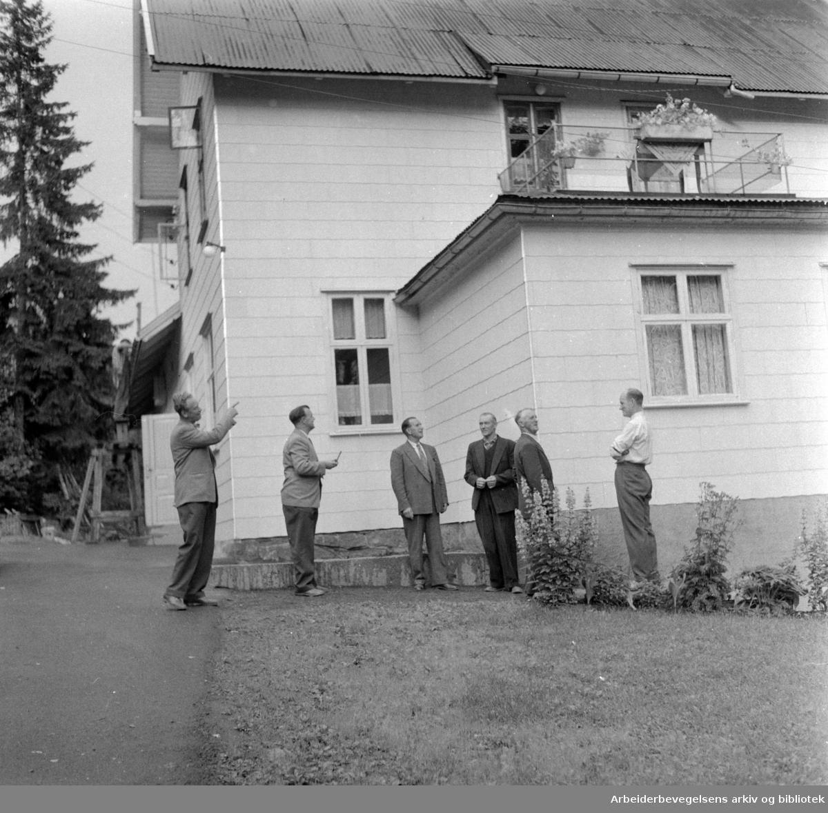 Grorud: Folket Hus oppusset. August 1957