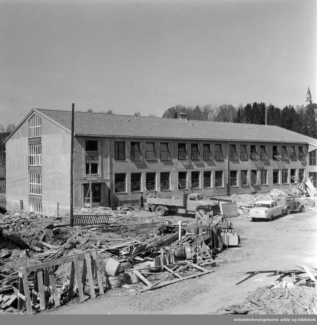 Grorud høgre skole under bygging. Mai 1959