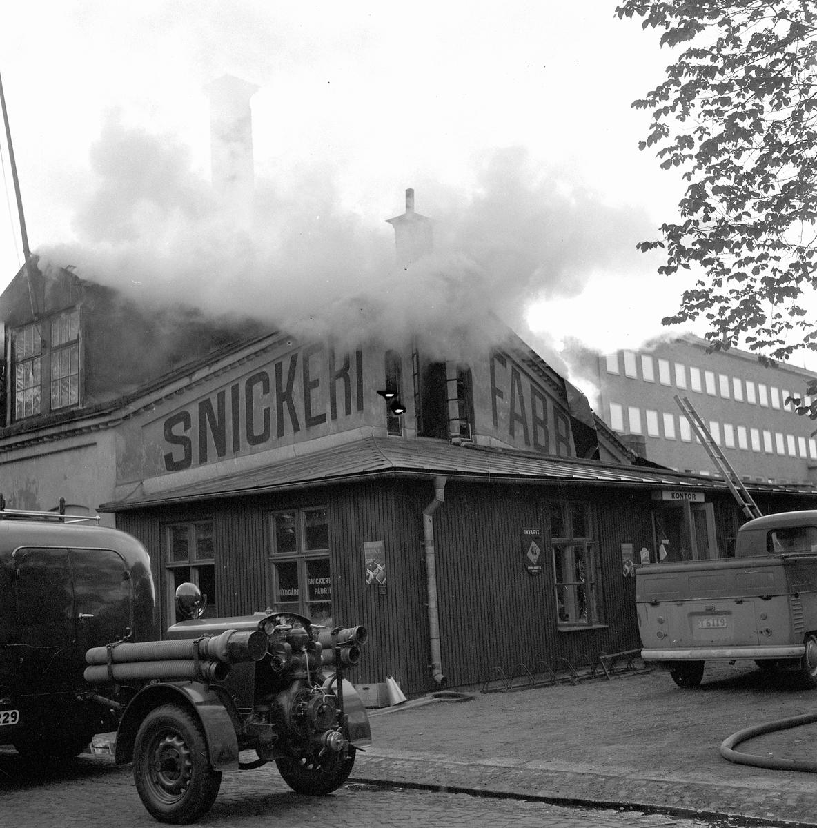 Eldsvåda i Snickerifabrik. Juli 1956.